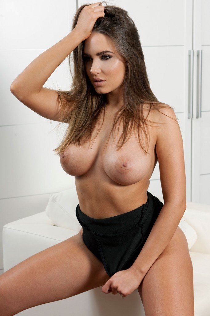 Hot Topless Pictures photo 13